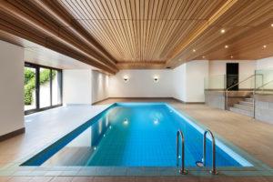 Construire une maison avec piscine intérieure